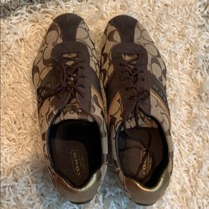 Coach shoes size 9.5 in great condition